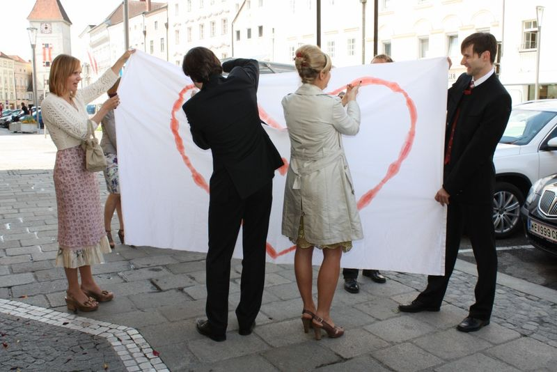 images/austrian_wedding_cutting_out_heart.jpg