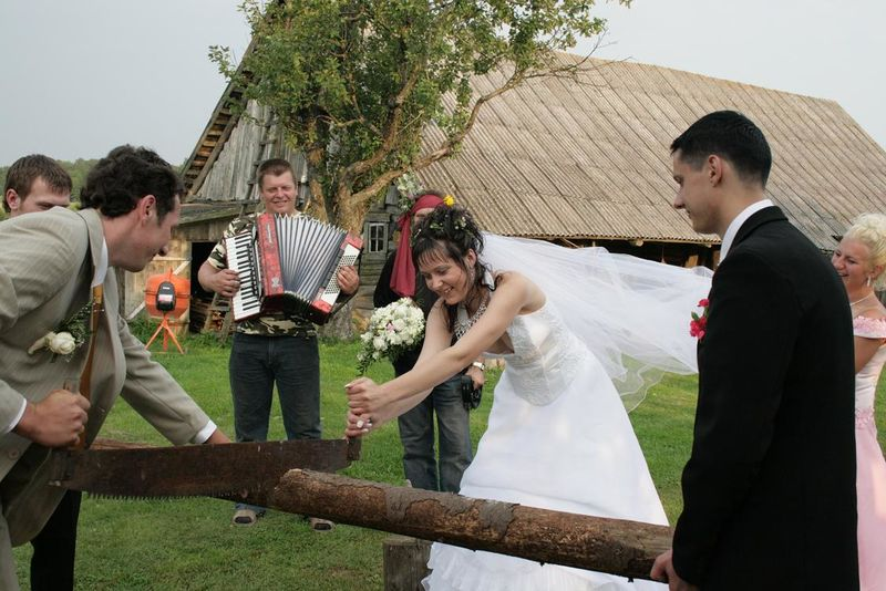 images/lithuanian_wedding_tradition.jpg
